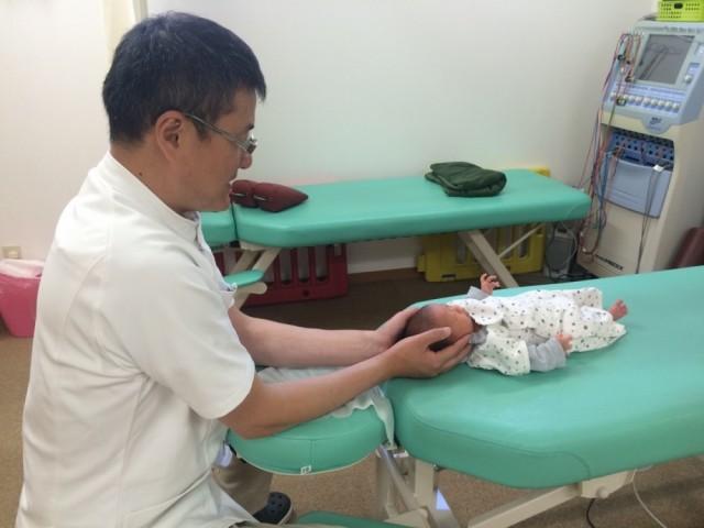 赤ちゃんから施術可能です。