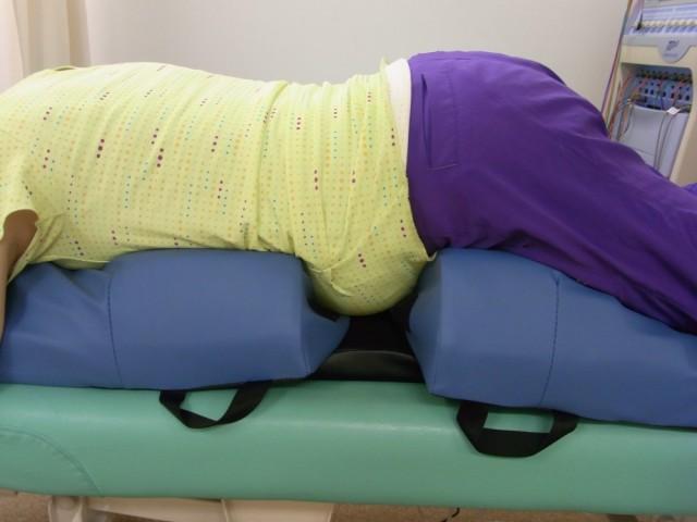 妊婦さん専用マットでうつ伏せでも施術可能